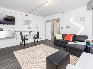 PRIME Walk Location - Trendy 1BR in the Byward Market!