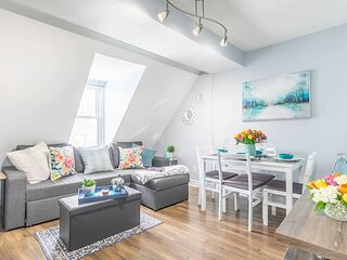 Newly Renovated - Modern 1BR with Rooftop Terrace!