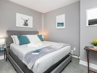 Newly Renovated - Modern 1BR Apartment - PRIME Walk Score