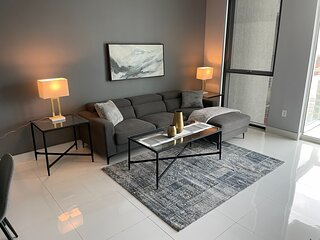Amazing 1 Bedroom! Best Location in Downtown Miam
