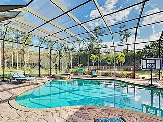 The Fry Ranch | Huge 4-Acre Getaway | Heated Pool, Hot Tub & Outdoor Kitchen