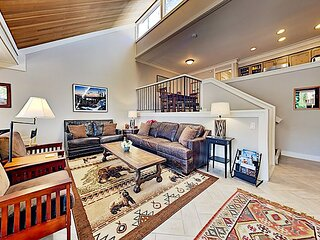 Peaceful West Shore Condo with Private Beach Access