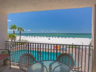Stay On The Beach and Directly Across From Johns Pass Village.  Beautifully Furn