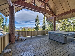 NEW! Stunning Ski-In/Ski-Out Mtn Condo w/ Hot Tub!