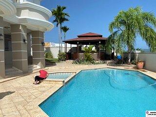 4 Bed | 4 Bath | Private Pool | Wi-Fi | Ocean Views