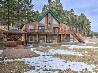 Cabin w/ On-Site Trails - 15 Miles to Mt Rushmore!