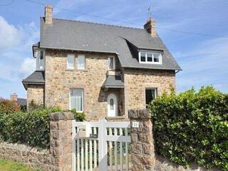 Maison bretonne à 200m de la mer à proximité de l'Ile Renote à Trégastel