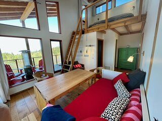 2-Bedroom Suite Bird, 6 guests, at Myra Canyon Ranch above Kelowna