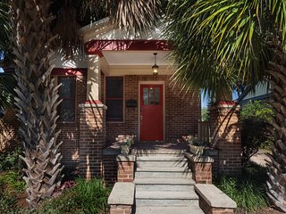 Charming Cottage in Historic Duckpond Neighborhood