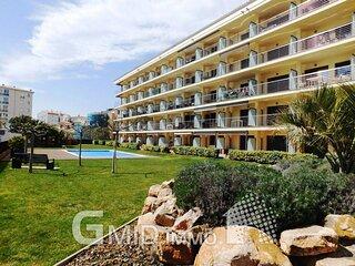 Piso de vacaciones con piscina en Salatar, Roses, Costa Brava