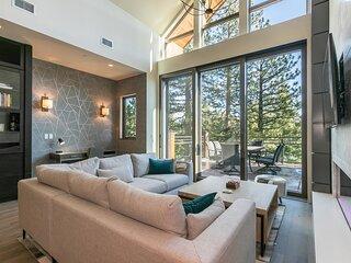 Crystal Bay Penthouse 301 + Concierge Services