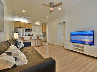 1000#2 Magnificent Beach Home w/ AC, Toto & 4K TVs