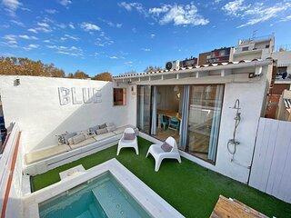 Blue House. Playa Poble Nou Barcelona