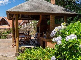Casa em Campos do Jordao - tranquilidade e conforto a apenas 5 minutos do centro