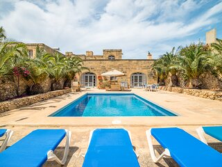 Ta' Bullara Villa Sleeps 7 with Pool and Air Con - 5829173