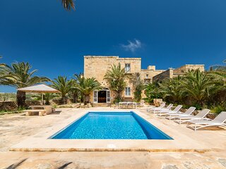 Ta' Bullara Villa Sleeps 7 with Pool and Air Con - 5829174