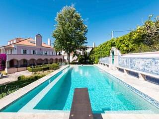 Almocageme Villa Sleeps 14 with Pool - 5832573