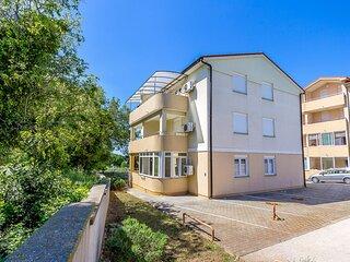 Vinkuran Apartment Sleeps 4 with Air Con - 5833141