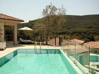 Marnora Villa Sleeps 5 with Pool and Air Con - 5836258
