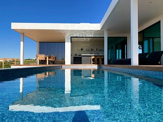 Alporchinhos Villa Sleeps 10 with Pool and Air Con - 5872629