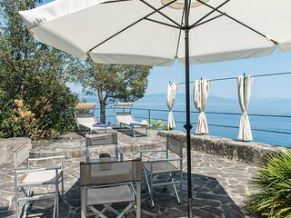 Portofino Villa Sleeps 10 with Air Con - 5872301