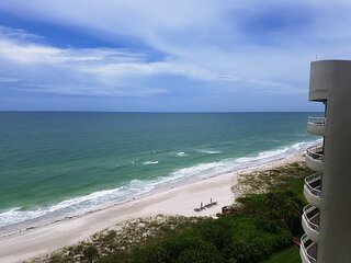 FANTASTIC Gulf front PENTHOUSE ~ The Beaches on Longboat Key FULL GULF VIEWS!