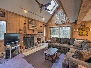NEW! Cozy Mountain Retreat, ~ 3 Mi to Mount Snow!