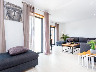 Casa Chic - Minimalistic 3 bedroom with great views