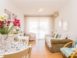 Belle Apartment, Monte Gordo, Algarve !New!