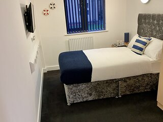 Accommodation Bradford - Private Ensuite with SmartTV