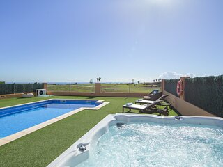 Exclusive Family Villa. Spa, Ocean-View. Fenced Heated Pool, Playground, Cabana