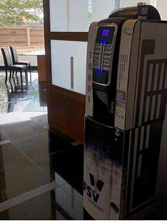 Máquina café y chocolates