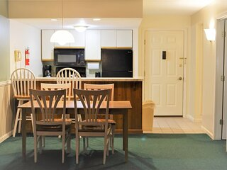 Deer Park Vacation Condo next to Recreation Center with Indoor Pool!