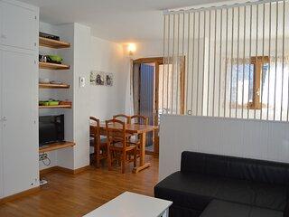 Apartamento  a pie de pistas con  Wifi, terraza y maravillosas vistas.Ed. L´avet