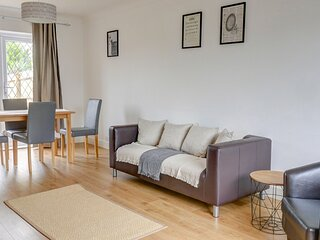 Low Cost, Pet Friendly 4 Bed + Parking (05)