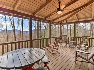 Private Sapphire Valley Resort Cabin w/ MTN Views!