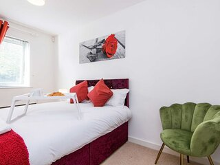 Sublime Stays Stylish 2 Bed Apartment by Coventry Stn w/Parking