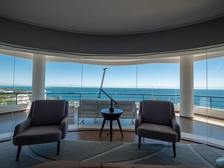 LUXURY  PENTHOUSE FACING THE OCEAN