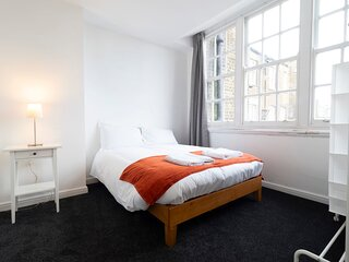 The Old Post Office - Refurbished Spacious Apartment near Margate Old Town
