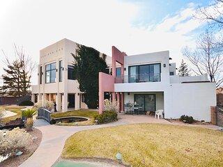 #1 BEST VIEWS! Huge, Luxury Contemporary Home + HEATED POOL + Best Amenities