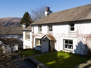 THE FARMHOUSE, 2 Bedroom(s), Coniston