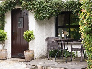 BURROW COTTAGE, 1 Bedroom(s), Bowness