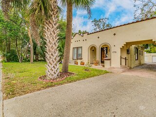 Casa Cervantes! Pet Friendly, Spanish Style Home in East Hill