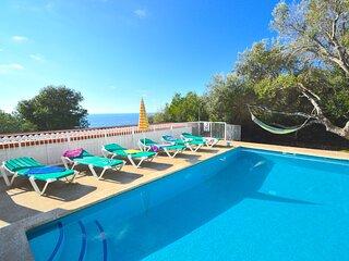 Villa Belinda con piscina privada y vistas al mar