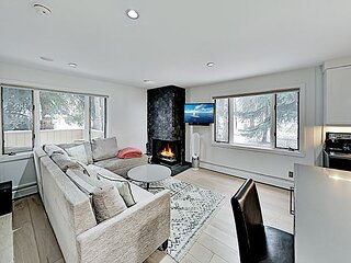 Upscale West End Hideaway - Walk to Downtown - 5 Minutes to Ski Resort
