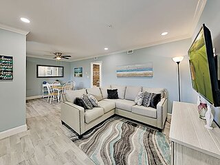 Newly Updated Hilton Head Resort Condo | Pools, Tennis & Gym | Walk to Beach