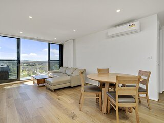 Modern 1-Bed Apartment With Parking, Pool and Gym