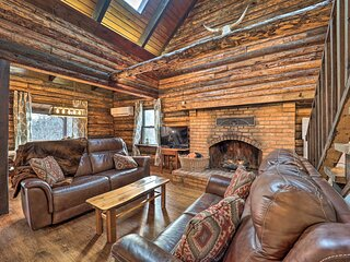 NEW! Comfy Retreat w/ Private Dock on Claytor Lake