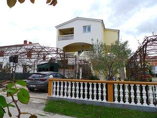 Draga - big terrace apartment: A2(4+1) - Sabunike