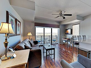 AWESOME RIVERVIEW 8TH FLOOR SUITE DOWNTOWN WILMINGTON